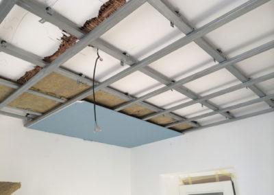 Odhlučnění stropu - konstrukce podhledu na silentblokách