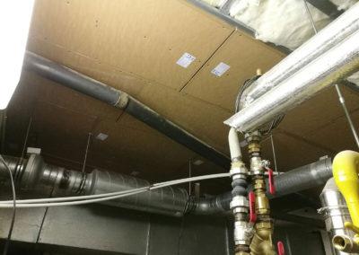 Odhlučnění stropu v kotelně hotelu - konstrukce podhledu wolf TR 15