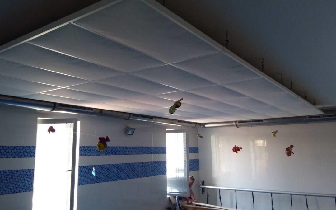 Výměna akustických kazet v plaveckém centru Natrix