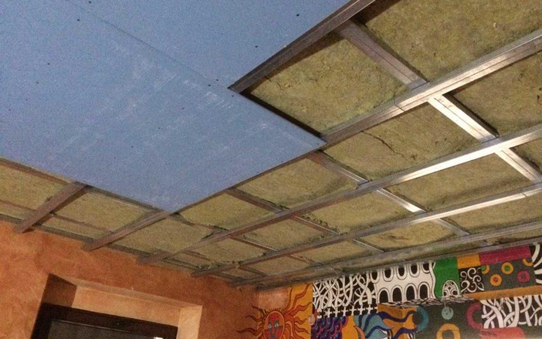 Neprůzvučný strop – restaurace Palmovka