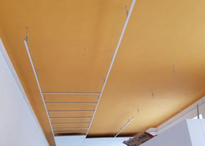 Akustika na chodbě ve škole